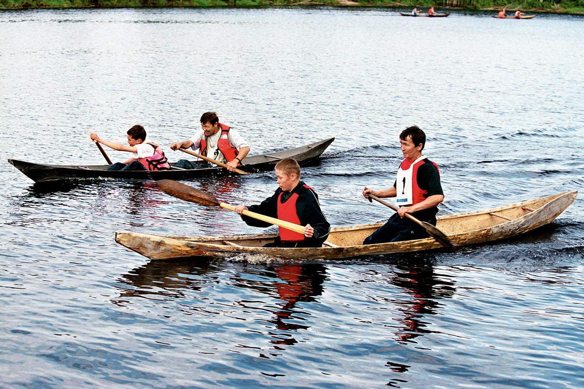разные лодки народ